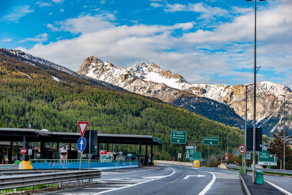 Дорога в тоннель Фрежюс со стороны Италии