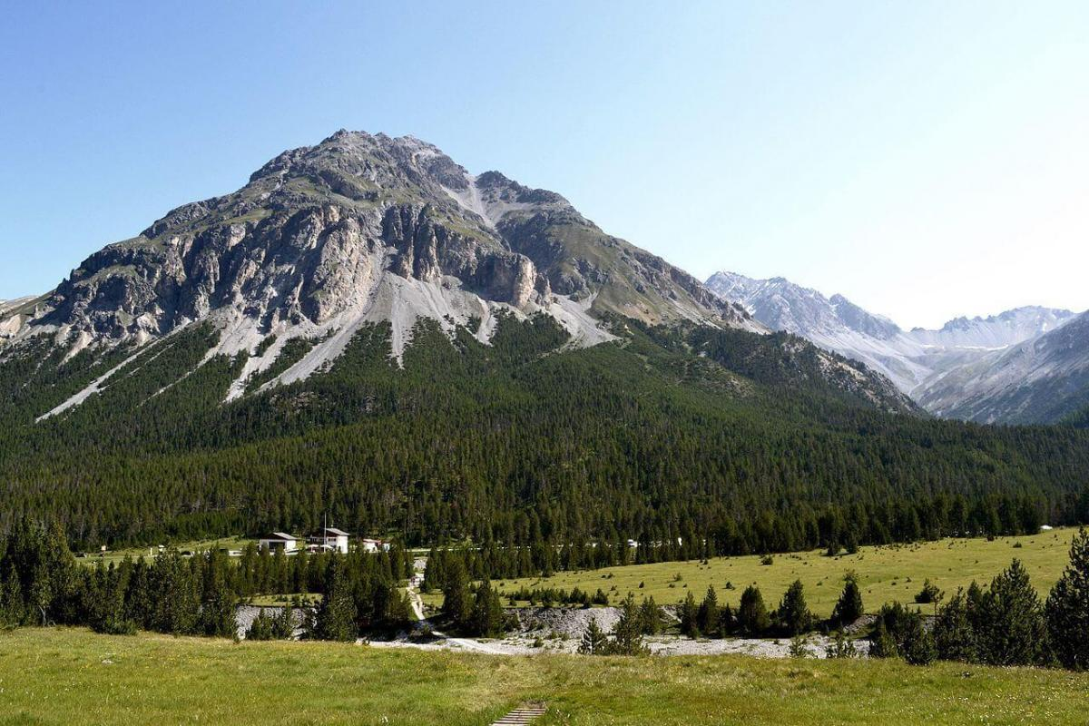 Гора Наир в Национальном парке Швейцарии