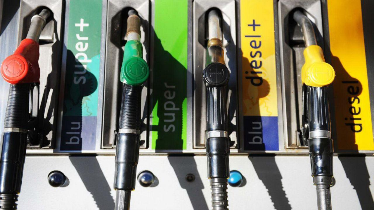 Виды топлива на АЗС Италии. Источник: auto.everyeye.it